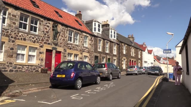 stockvideo's en b-roll-footage met an ancient fishing village, lower largo is in the east neuk of fife and is situated on largo bay on the north side of the firth of forth. it is... - firth of forth