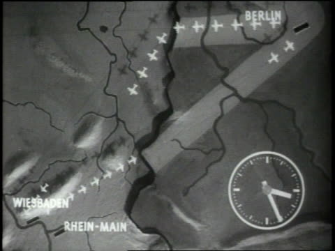vidéos et rushes de an animated map of shows the course of the berlin airlift. - 1948