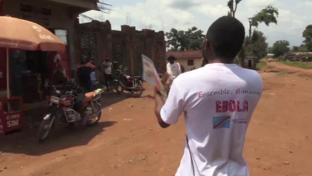 vídeos y material grabado en eventos de stock de an army of health workers fighting the ebola epidemic in the east of the democratic republic of congo are confronting denial and false beliefs... - ébola