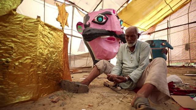 IND: Dussehra - Hindu Festival Preparations
