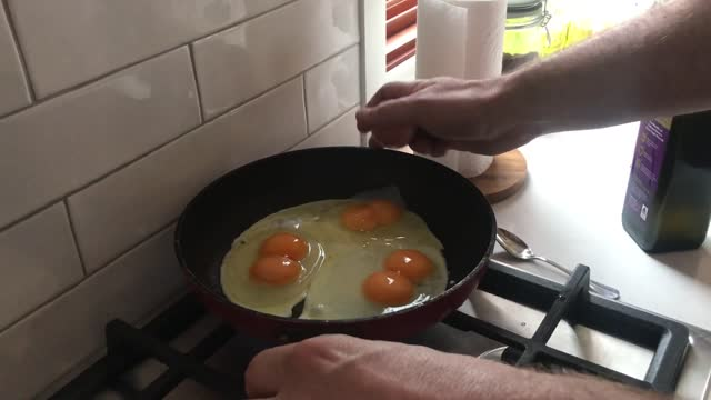 an australian had some cracking breakfast luck when he got not one, two, or three, but four double-yolk eggs in a row, video posted on september 22... - egg yolk stock videos & royalty-free footage