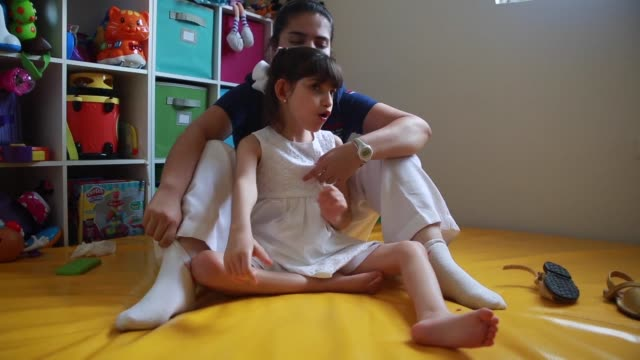 an eight year old girl who endures 400 daily epileptic seizures will become mexico's first authorized consumer of medical cannabis after the... - mädchen stock-videos und b-roll-filmmaterial