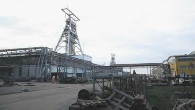 an elevator tower at the kwk pniowek coal mine on november 30, 2018 in pawlowice, poland. the mine, owned by polish mining company jsw, is poland's... - tower stock videos & royalty-free footage