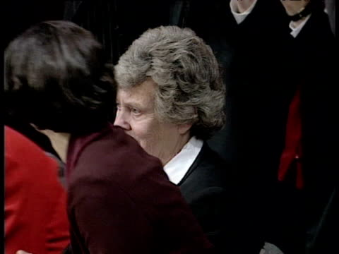 an emotional mary wilson widow of former prime minister harold is welcomed on stage to rapturous applause at labour party conference brighton oct 95 - vedova video stock e b–roll