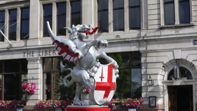 an english dragon as the symbol for the city of london, uk. - silver coloured stock videos & royalty-free footage