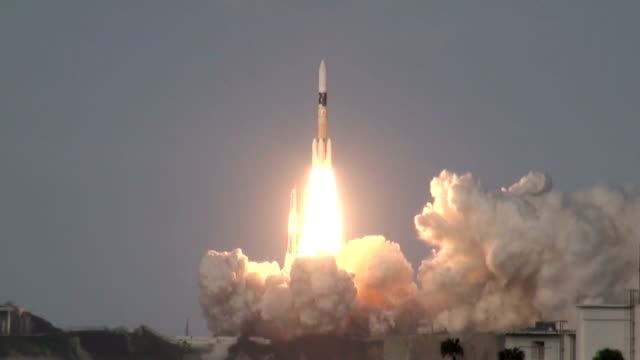 an h2a rocket launched on nov 24 from the tanegashima space center in southwestern japan successfully carried a canadian communications satellite... - rakete stock-videos und b-roll-filmmaterial