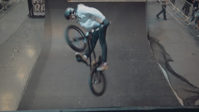 An impressive series of 3 BMX tricks on a half pipe filmed at Camper Mart 2016 NO