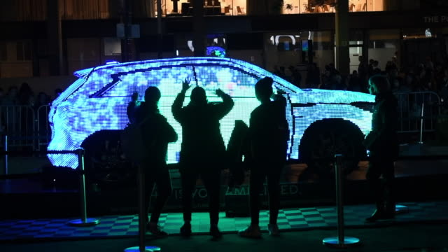 stockvideo's en b-roll-footage met an infinity qx50 with an interactive luminescent display toronto nuit blanch is a traditional one night only art event arriving this year to its 13th... - oneindigheid