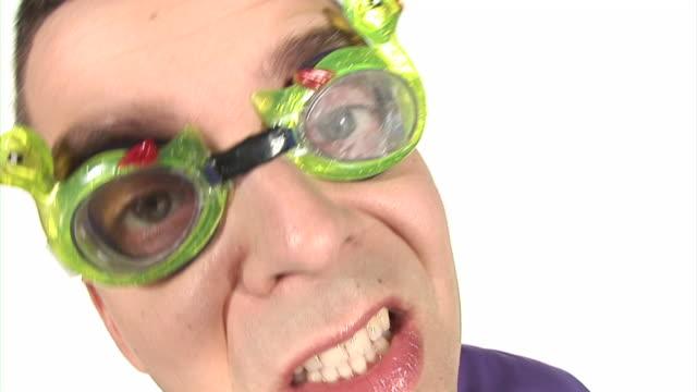 vídeos y material grabado en eventos de stock de lazo de hd: una locura nerd - satírico
