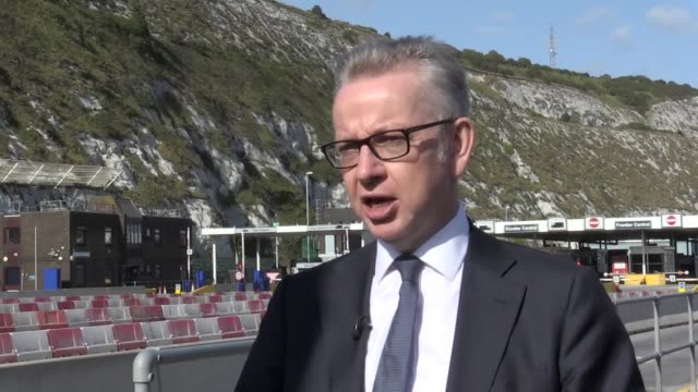 vídeos y material grabado en eventos de stock de an interview with michael gove at the port of dover after he met with border force officials to discuss brexit preparations. while at the port, mr... - export palabra en inglés