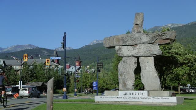 An inukshuk announcing the entrance of the town of Whistler