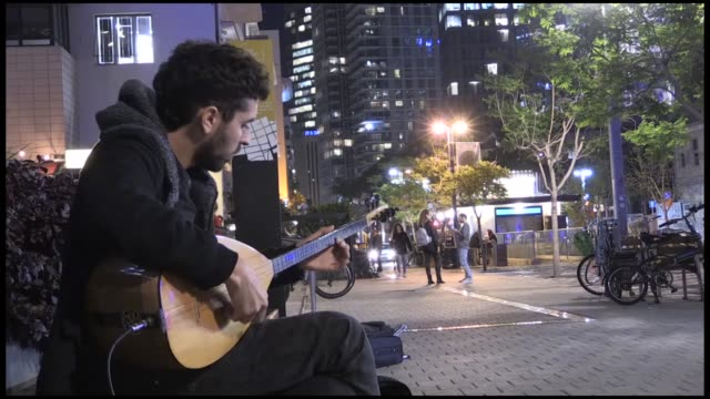 An Israeli musician who plays Turkish folk songs on the streets of Jerusalem dreams of one day playing with famed Turkish singersongwriter Selda...