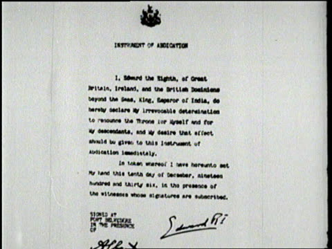 an official document proclaims the abdication of british king edward viii - 退位点の映像素材/bロール