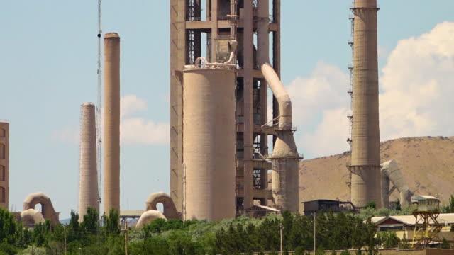 stockvideo's en b-roll-footage met an oil silo in azerbaijan, iran - silo