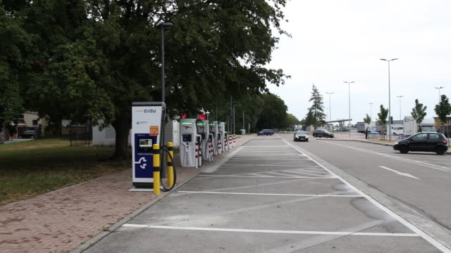 an unused charging station for electric cars at a petrol station on a german highway in the south of germany during the coronavirus pandemic on july... - alternative energy stock videos & royalty-free footage