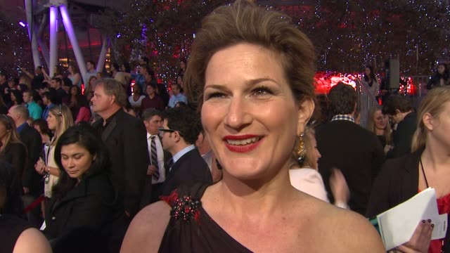 Ana Gasteyer on her dress on the People's Choice Awards on being nominated as a new show and on what she loves about the show at 2012 People's Choice...