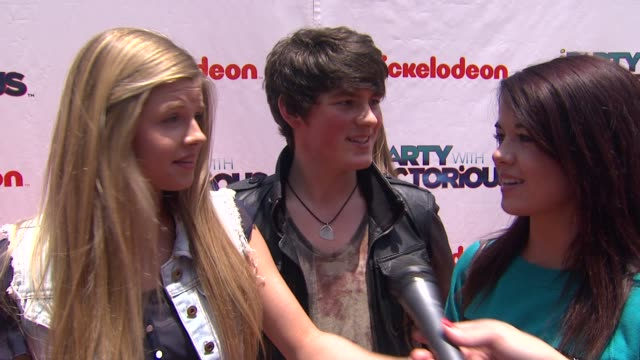 Ana Mulvoy Ten Brad Kavanagh Jade Ramsey on the event at the Nickelodeon's 'iParty With Victorious' Premiere at West Hollywood CA