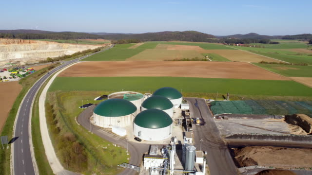 anaerobic maize silage digester - industriegerät stock-videos und b-roll-filmmaterial