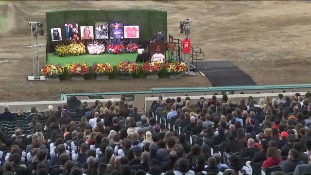 vídeos y material grabado en eventos de stock de ktla anaheim ca us altobelli family honored in memorial service at angel stadium after altobelli and eight other people died in helicopter crash in... - angel stadium