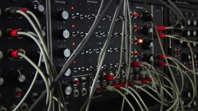 cu analog synthesizer / dusseldorf, north rhine westphalia, germany - synthesizer stock videos & royalty-free footage