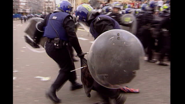 Anarchists planning day of action for G20 Summit 2000 AntiCapitalist protestors clashing with riot police