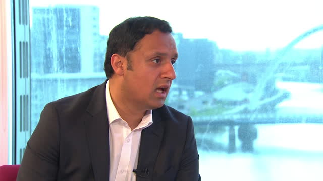 """anas sarwar saying angela rayner """"is a huge talent with a huge future"""" - skill stock videos & royalty-free footage"""