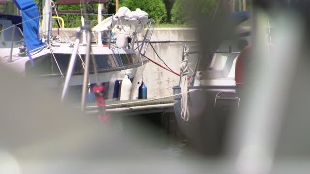 anchor - anker werfen stock-videos und b-roll-filmmaterial