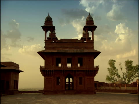 ancient abandoned house in grounds of palace agra - agra stock videos and b-roll footage