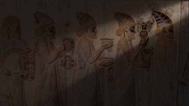 vídeos de stock e filmes b-roll de ancient carvings of persepolis in shiraz city, iran. - arqueologia