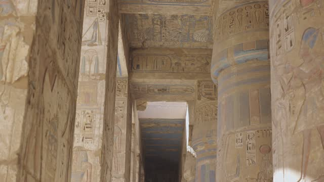 vídeos de stock, filmes e b-roll de templo egípcio antigo em luxor - museum