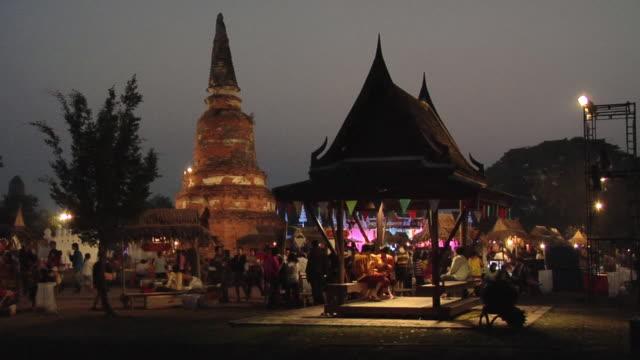 ws ancient market at wat langkhakhao / ayutthaya, thailand - アユタヤ県点の映像素材/bロール