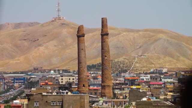 vidéos et rushes de ancient minaret in heret - afghanistan