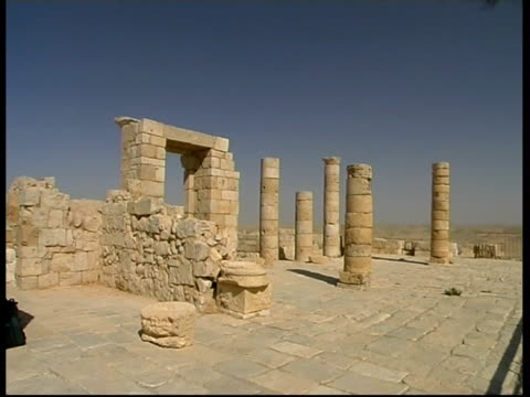 ancient nabataean city ovdat- main church, beginning of cristianity, israel - 古代の遺物点の映像素材/bロール