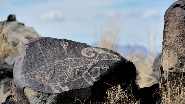 ancient native american petroglyph: three rivers petroglyph site: new mexico: usa - puebloan peoples stock videos & royalty-free footage