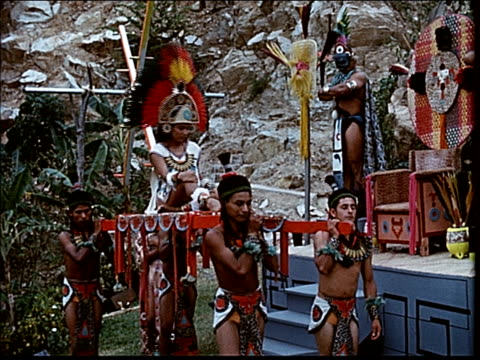 1963 ancient rituals in acapulco - aztekisch stock-videos und b-roll-filmmaterial