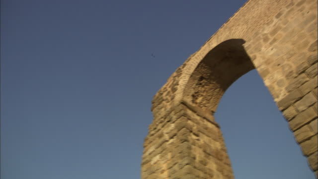MS DS Ancient Roman arches ruining in aqueduct / Tunisia