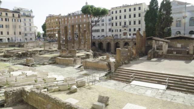 vidéos et rushes de roman ruins, ancient rome archaeology site - cesar