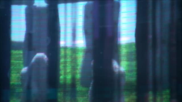 vídeos de stock e filmes b-roll de ancient ruins appear through the window of a time machine. - ruína antiga