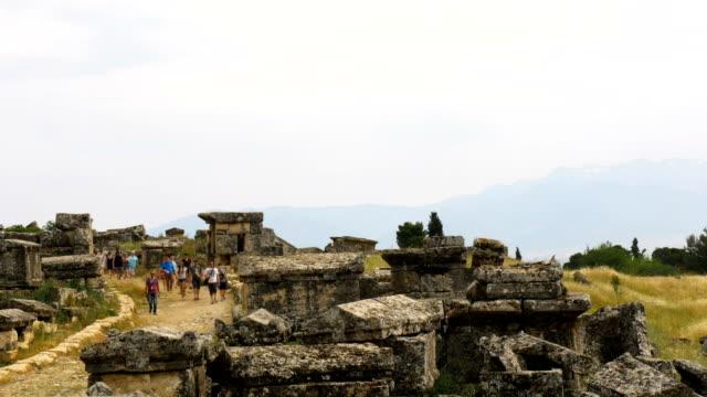 vidéos et rushes de ruines antiques dans hierapolis, pamukkale - rome antique