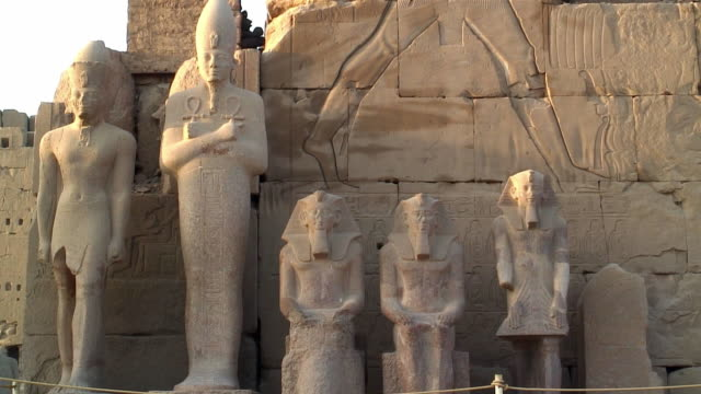 cu zo ms ancient statues in front of karnak temples / luxor, egypt - temples of karnak stock videos & royalty-free footage