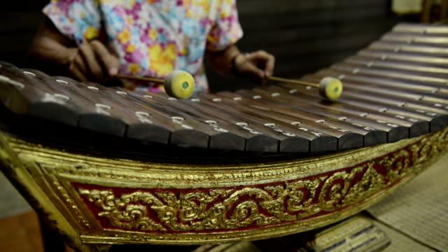 vídeos y material grabado en eventos de stock de dispositivo de música de estilo antiguo estilo tailandés - estilo de música