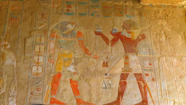 ms tu ancient wall paintings at temple of queen hatshepsut / luxor, egypt - hatschepsut tempel stock-videos und b-roll-filmmaterial