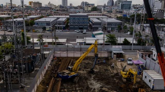 vídeos de stock, filmes e b-roll de tl e vista aérea: o foundation pilha de bulldozer - pile driver