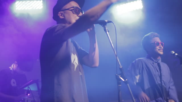 stockvideo's en b-roll-footage met ms 2mc and dj performing on stage / shimokitazawa, tokyo, japan - hiphop
