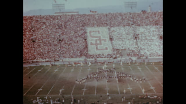 1947 USC and UCLA college football teams meet for annual game