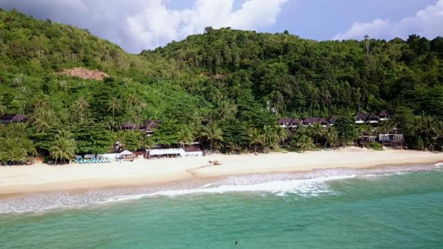 vídeos y material grabado en eventos de stock de andaman beach aerial view - mar de andamán