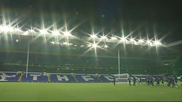 anderlecht training and press conference england london white hart lane ext anderlecht football players in stadium / pan of stadium / general shots... - tottenham hotspur f.c stock videos & royalty-free footage