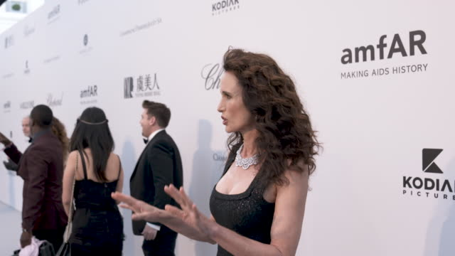 andie macdowell at amfar cannes gala 2019 - arrivals at hotel du cap-eden-roc on may 23, 2019 in cap d'antibes, france. - amfar stock videos & royalty-free footage