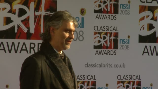 vidéos et rushes de andrea bocelli at the the classical brits awards 2008 at the royal albert hall in london on may 8 2008 - andrea bocelli