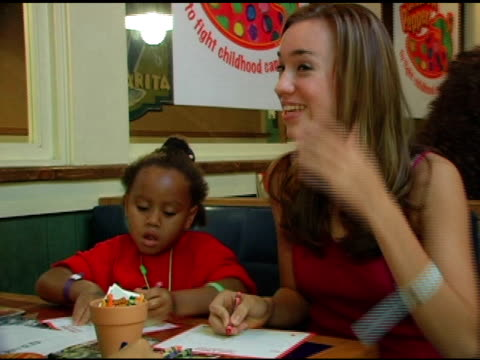 andrea bowen coloring peppers at the chili's create a pepper to benefit st jude children's research hospital at chili's restaurant in westwood... - chili's grill & bar stock videos and b-roll footage